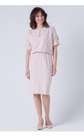 Modna sukienka w kolorze pudrowego różu, Wyszczuplające kreacje z pęknięciami od Choice