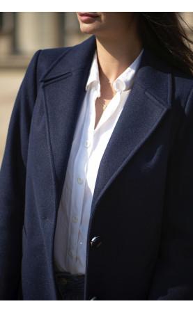 Stylowy płaszcz damski o klasycznym kroju, Modne okrycia wierzchnie na każdą figurę od Choice
