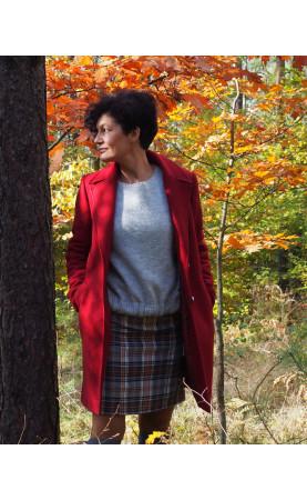 Bordowy płaszcz na zimę, Stylowe płaszczyki o klasycznym kroju od Choice