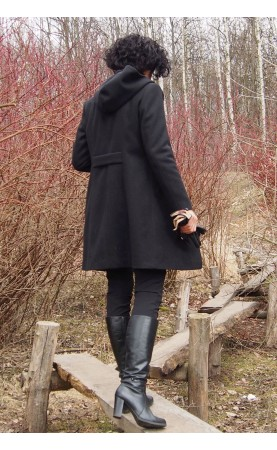 Czarny płaszcz o długości nad kolano, Klasyczne płaszczyki do pracy w sezonie zimowym od Choice