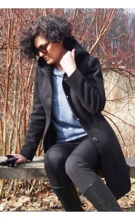 Zjawiskowy płaszcz o klasycznym kroju, Wyszczuplająca odzież wierzchnia od Choice