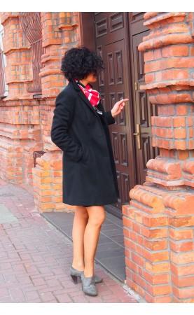 Perfekcyjny płaszczyk czarny na zimę, Modna odzież wizytowa dla bizneswoman od Choice