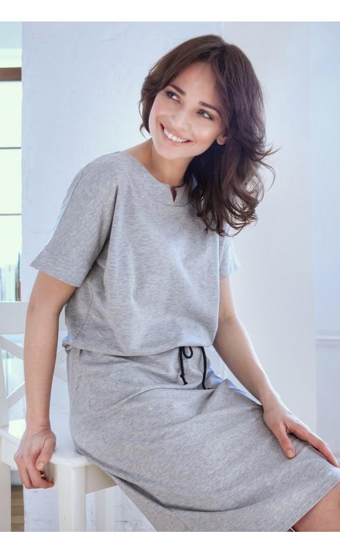 Luźna suknia za kolano, Wyjątkowe stylizacje z dzianiny dresowej od Choice