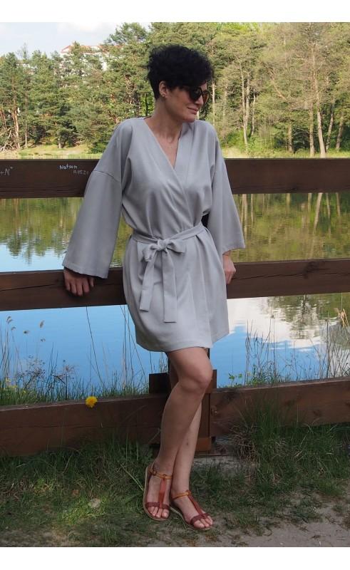 Mini sukienka kimono na lato, Luźne stylizacje na każdą okazję od Choice