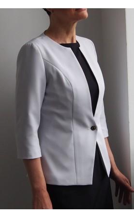 Elegancka marynarka zapinana na guzik, Stylowe żakiety dyplomatyczne od Choice