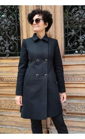 Nowoczesny płaszczyk damski z kieszeniami, Dwurzędowe okrycia na zimowy sezon od Choice