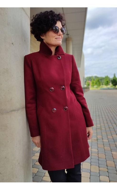 Piękny płaszcz w wyrazistym kolorze, Ciepłe okrycia wierzchnie dwurzędowe od Choice