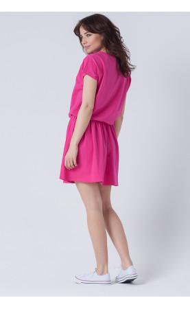 Różowa sukienka nad kolano, Stylowe kreacje na wakacje od Choice