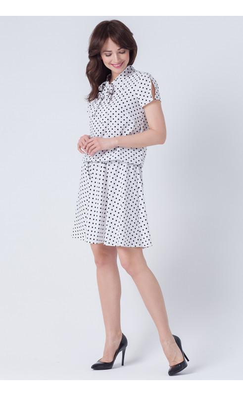 Modna sukienka w grochy nad kolano, Letnie sukienki o luźnym kroju od Choice