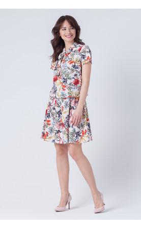 Kwiecista sukienka z wiązaniem, Modne sukienki na wiosnę lato od Choice