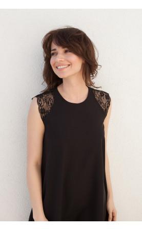 Trapezowa sukienka z koronką Czarna