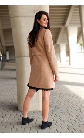 Profilowany płaszcz w kolorze karmelowym, Atrakcyjne płaszcze dla kobiet w każdym rozmiarze od Choice